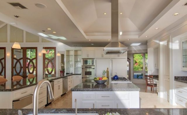 Sea Glass Luxury Home Rental - Kitchen - Hawaii Hideaways